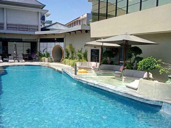 MAN-Resort-Pool
